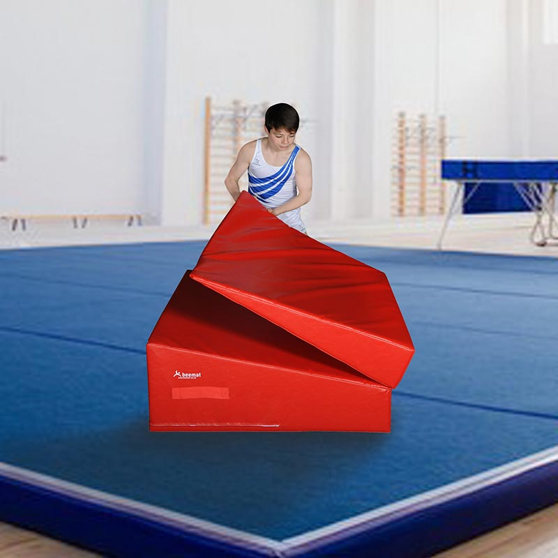 Beemat Folding Gymnastic Incline Wedge Red